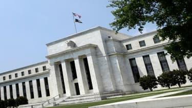 Les Etats-Unis ont réalisé un excédent budgétaire historique au mois de juin .