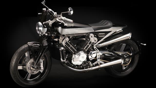 Cette moto est une oeuvre d'art. Chacune de ses pièces sont signées de la main de l'ouvrier qui les a usiné et assemblé