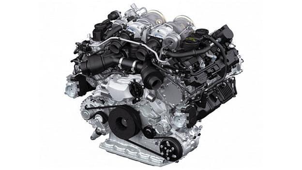 Nouveau moteur pour la future Panamera et le Cayenne. Mais pas de gros changement, le V8 reste la base.