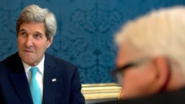 """Il existe des """"des divergences très importantes"""" entre les parties sur le dossier du nucléaire iranien, indique John Kerry."""