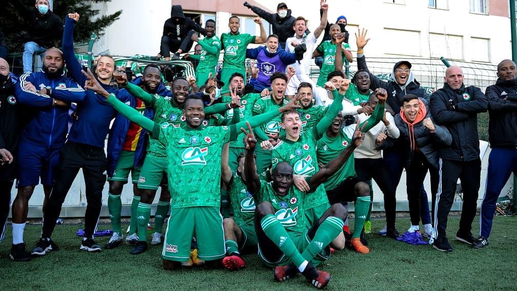 Coupe de France: les images des célébrations des joueurs du Red Star avec les supporters - RMC Sport