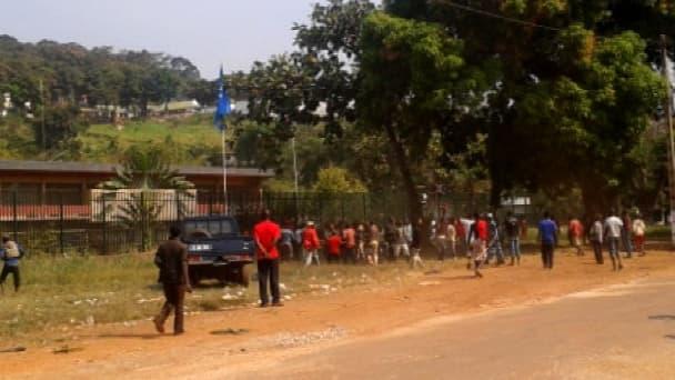 Des projectiles ont été lancés contre l'ambassade de France à Bangui, capitale de la Centrafrique, ce mercredi.