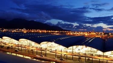 L'aéroport de Hong-Kong est l'une des principales plateformes aéroportuaires (hub) de la planète.