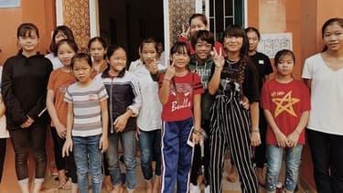 Jade et Joy Hallyday au Vietnam