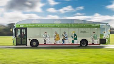 Un bus qui roule aux excréments humains.
