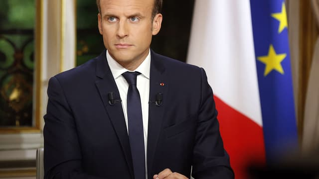 Emmanuel Macron lors de son interview télévisée, dimanche 15 octobre sur TF1.