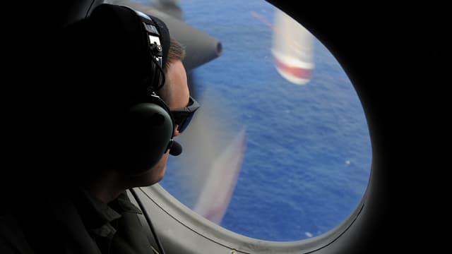 Le vol MH370 de Malaysia Airlines, disparu en mars, pourrait avoir fait cap sur le sud, à l'opposé de son plan de vol, plus tôt qu'estimé.