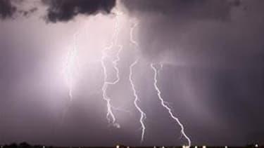 Des orages violents sont attendus sur l'Île-de-France ce lundi matin.  Alerte Orange jusqu'à 11h.