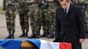 Dans l'enceinte du 17e régiment du génie parachutiste de Montauban, Nicolas Sarkozy préside un hommage national aux trois soldats morts sous les balles du tueur au scooter. Une cérémonie à laquelle ont assisté cinq autres candidats à la présidentielle: Fr