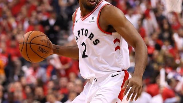Kawhi Leonard, sous le maillot des Toronto Raptors,  qui disputent les finales NBA face aux Golden State Warriors.