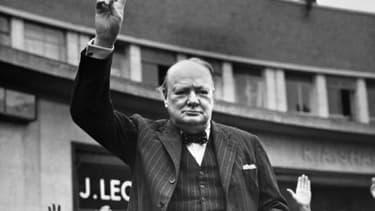 Le Premier ministre britannique Winston Churchill, qui a dirigé le Royaume-Uni pendant la Seconde Guerre mondiale et a mené la résistance au nazisme