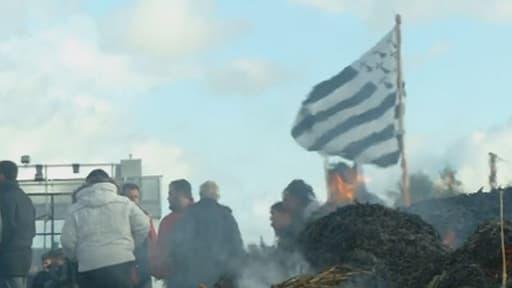 Plusieurs rassemblements contre les portiques écotaxes ont eu lieu en Bretagne le 9 novembre 2013.