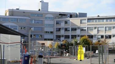 Trois chirurgiens de l'hôpital Claude Bernard à Metz seraient intervenus en vain lors de l'opération de Corentin, 11 ans.