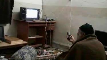 """Le complexe dans lequel les forces spéciales américaines ont abattu le 1er mai Oussama ben Laden dans le nord du Pakistan abritait en réalité """"un poste de commandement et de contrôle actif"""" des opérations d'Al Qaïda au regard de vidéos saisies, selon un r"""