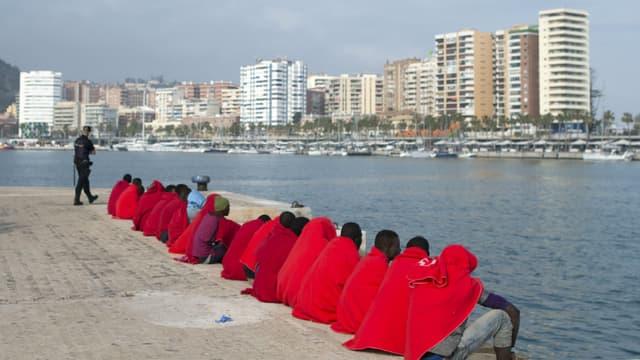 Migrants secourus par la Croix Rouge dans le port de Malaga, en Espagne, le 26 avril 2018