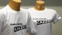 """Le tee-shirt """"Vada a bordo, cazzo!"""" (""""Remontez à bord, bordel!""""), qui reprend l'injonction lancée en plein naufrage par un responsable de la capitainerie de Livourne au capitaine du Costa Concordia, se vend comme des petits pains en Italie, et ailleurs. /"""
