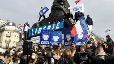 La manifestation de Génération identitaire a été organisée place Denfert-Rochereau dans le 14e arrondissement de Paris