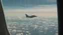 Des Franciliens ont été inquiets de voir en ce 11 septembre un avion voler à basse altitude, escorté par un avion de chasse