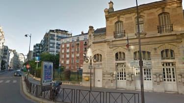Le nourrisson a été trouvé dans le square de Boulainvilliers, à proximité de la gare du RER C.