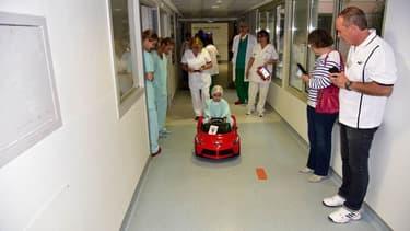 Une voiturette à l'hôpital du Mans