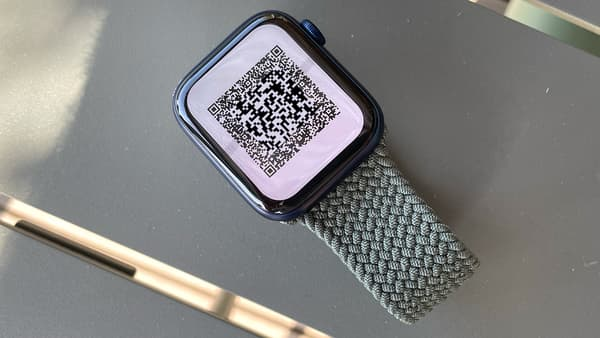 Un código QR en Apple Watch.