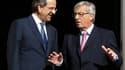 Le président de l'Eurogroupe Jean-Claude Juncker à Athènes avec le Premier ministre grec Antonis Samaras. Jean-Claude Juncker a déclaré que la Grèce devait tenir ses engagements auprès de ses créanciers si elle voulait obtenir une nouvelle tranche d'aide