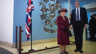 La reine Elizabeth II le 25 février 2020, durant sa visite au MI5