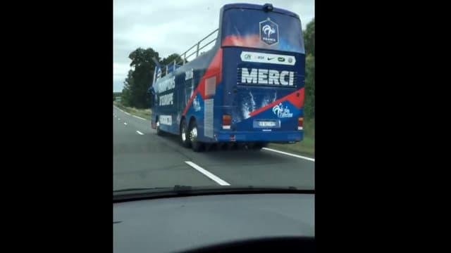 Le bus à impériale des Bleus