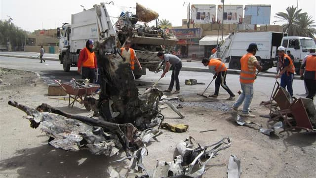 Une vingtaine d'attentats ont frappé jeudi matin Bagdad (photo) et plusieurs villes d'Irak, faisant au moins 36 morts et une centaine de blessés. /Photo prise le 19 avril 2012/REUTERS/Saad shalash