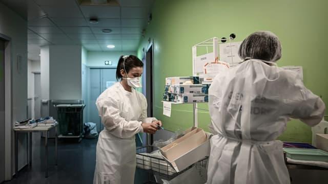 Dans le service des Urgences de l'hôpital Saint-André, à Bordeaux, le 20 octobre 2020