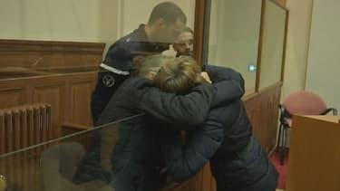 Jacqueline Sauvage et sa fille, lors de son procès.
