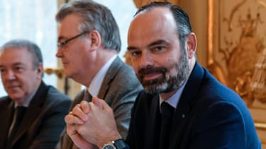 Edouard Philippe et Jean-Paul Delevoye lors d'une réunion à Matignon, le 26 novembre 2019