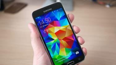 Les ventes du Samsung Galaxy S5 sont très décevantes: le nouveau modèle n'arrive pas à surpasser le S4.