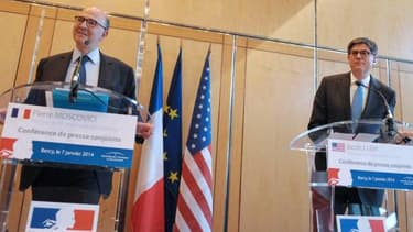 """Pierre Moscovici et Jack Lew ont réagi à """"The Fall of France""""."""