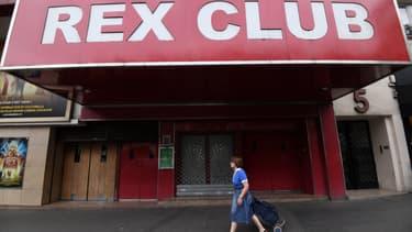 Les discothèques représentent 30.000 emplois directs et un milliard d'euros de chiffre d'affaires annuel, selon les syndicats.