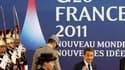 Nicolas Sarkozy à Cannes où doit s'ouvrir un sommet du G20. La France et l'Allemagne ont sommé mercredi la Grèce de dire d'ici la mi-décembre si elle entend rester ou non dans la zone euro à l'occasion du référendum envisagé sur le plan de sauvetage finan