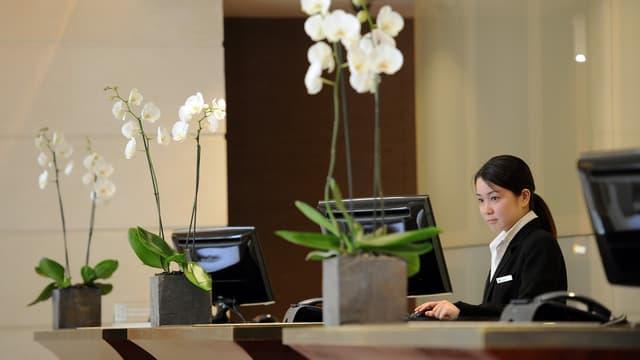 Réclamée de longue date par les hôteliers, la liberté de fixer ses tarifs vis à vis des plates-formes Internet, rend au secteur sa marge de manoeuvre tarifaire et commerciale