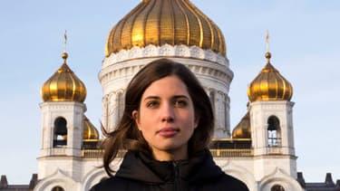L'activiste Nadejda Tolokonnikova vendredi à Moscou, devant la cathédrale Saint-Saveur où elle avait chanté une prière anti-Poutine en 2012.