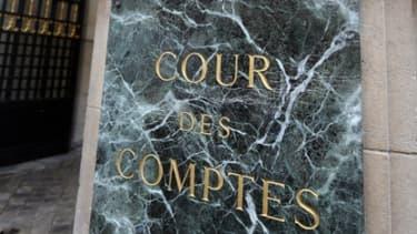 La cour des comptes estime que le statut d'ouvrier de l'Etat est trop coûteux.