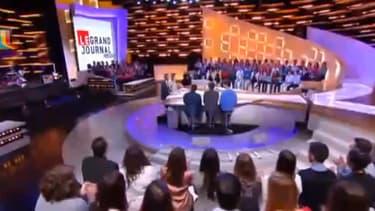 Le plateau du Grand Journal de Canal +, émission phare de la chaîne cryptée.