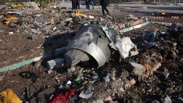 Débris du Boeing 737 qui s'est écrasé mercredi 8 janvier 2020 à Téhéran - AFP