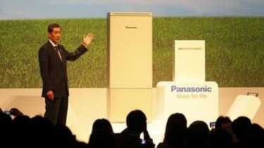 En 2012, Shusaku Nagae, Président de la division Energie de Panasonic, présentait la PowerStation, une unité domestique pour le stockage de l'énergie. Cette version nipponne de la PowerWall de Tesla arrivera en Allemagne cette année.