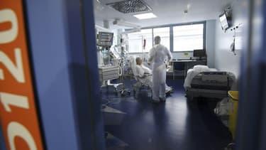 Dans l'unité de réanimation pour les patients Covid de l'hôpital de Strasbourg le 22 octobre 2020