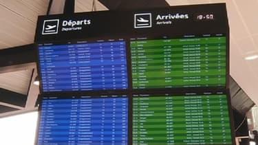 A l'aéroport, les familles des victimes ont dû affronter la terrible nouvelle.