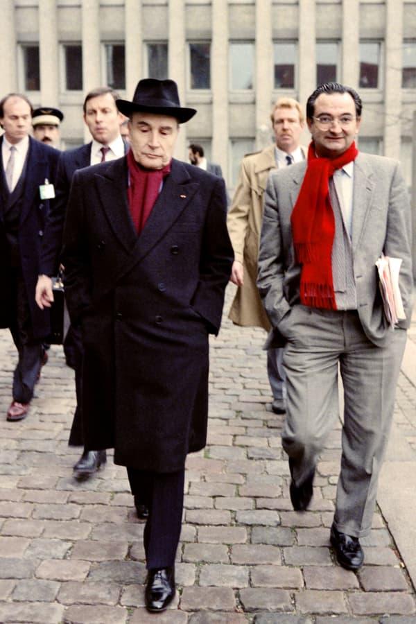 Au dessus de la mêlée. François Mitterrand et son conseiller spécial Jacques Attali, le 4 décembre 1987 lors du sommet européen de Copenhague
