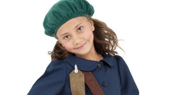 La présentation du costume d'Anne Frank pour Halloween.