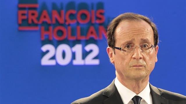 """Attaqué par la droite sur le thème de son """"arrogance"""" supposée, François Hollande, désormais à découvert dans sa position de favori à l'issue d'une semaine entamée par son grand discours du Bourget dimanche, se tient au leitmotiv """"ne pas vendre la peau de"""