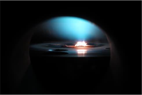 """Le réacteur dans lequel Diamond Foundry """"fait pousser"""" ses diamants."""