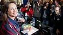 """Cinq jours après la victoire de la gauche aux élections régionales, Ségolène Royal, la présidente socialiste sortante souligne: """"Je suis là et bien là"""" en Poitou-Charentes, assurant qu'elle ira au terme de son mandat de six ans. /Photo prise le 26 mars 20"""