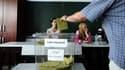 Les Turcs ont commencé à voter dimanche pour élire pour la première fois leur président au suffrage universel direct.